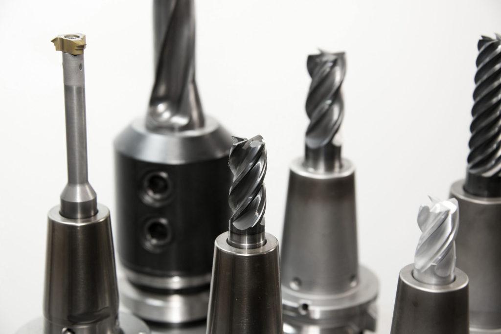Opravy strojů/nástrojů